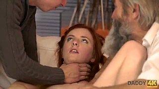 Porno video - mladí zvrhlí frajeri - Dlhé online porno videá zdarma.